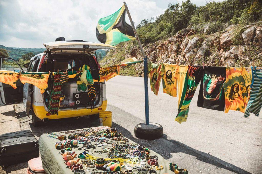 furgoncino con musica raggae Giamaica
