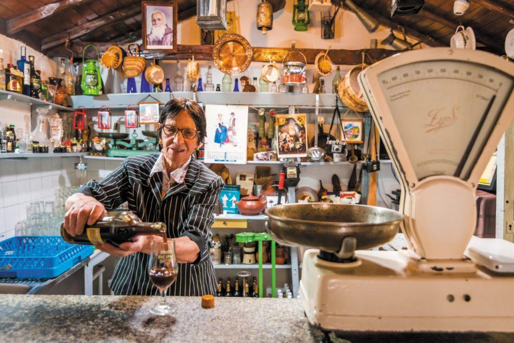 Da oltre mezzo secolo, Casa Efigenia delizia i palati con ricette isolane e invenzioni come il famoso puchero, a base di verdure e gofio, la farina locale.