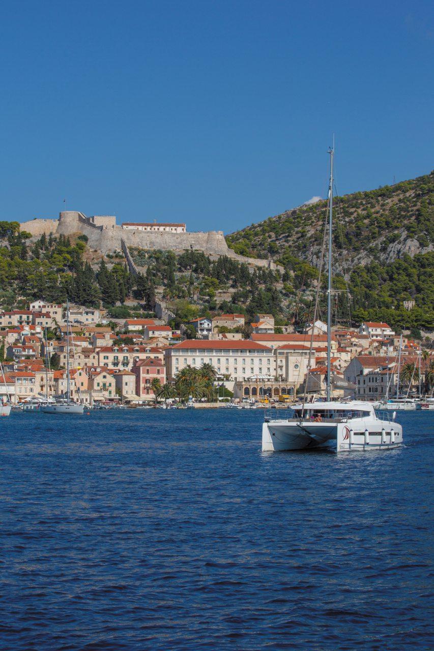 In Dalmazia, tra le isole dell'arcipelago di Šibenik