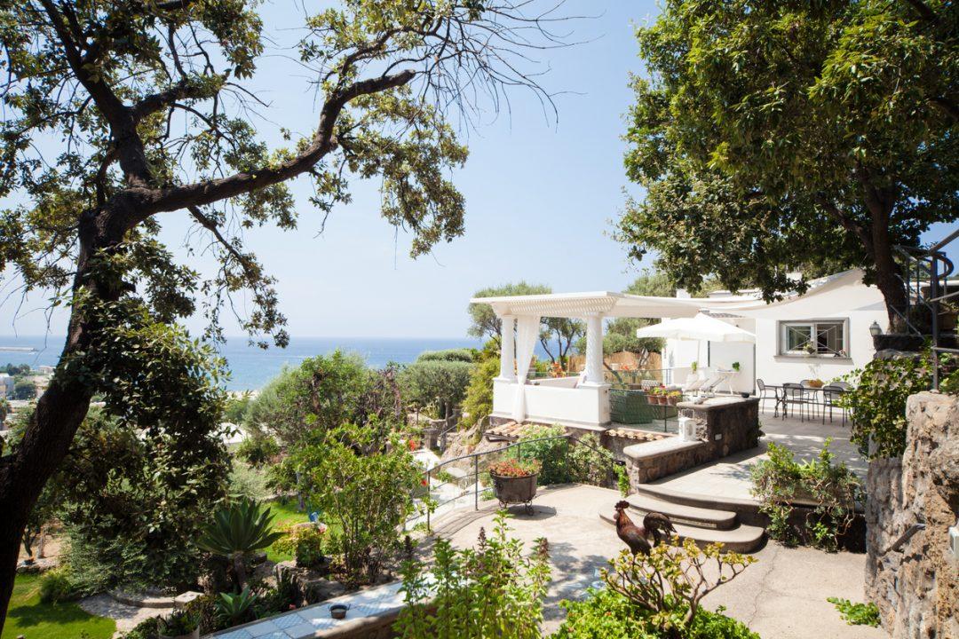 Villa al mare con giardino