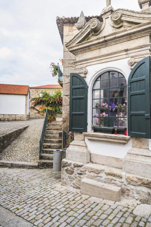 Portogallo, in cammino guardando il mare
