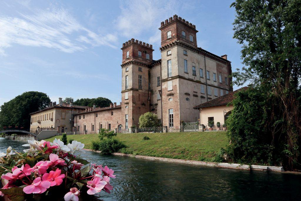 Altra tappa della Via Francisca del Lucomagno, Robecco sul Naviglio con Palazzo_Archinto (ph. Archivio Fotografico Itineraria)