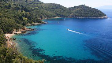 Un'immagine della costa toscana nei pressi dell'Argentario (iStock)
