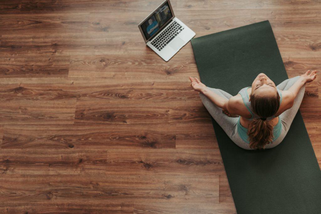 La Giornata internazionale dello Yoga 2020 è dedicata allo Yoga a Casa e allo Yoga con la famiglia.