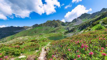 montagna vicino Milano: le passeggiate in Val Brembana ai laghi Porcile