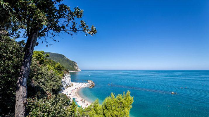 Foto Le spiagge più belle delle Marche, da Gabicce al Conero, da Grottammare alla Riviera delle Palme