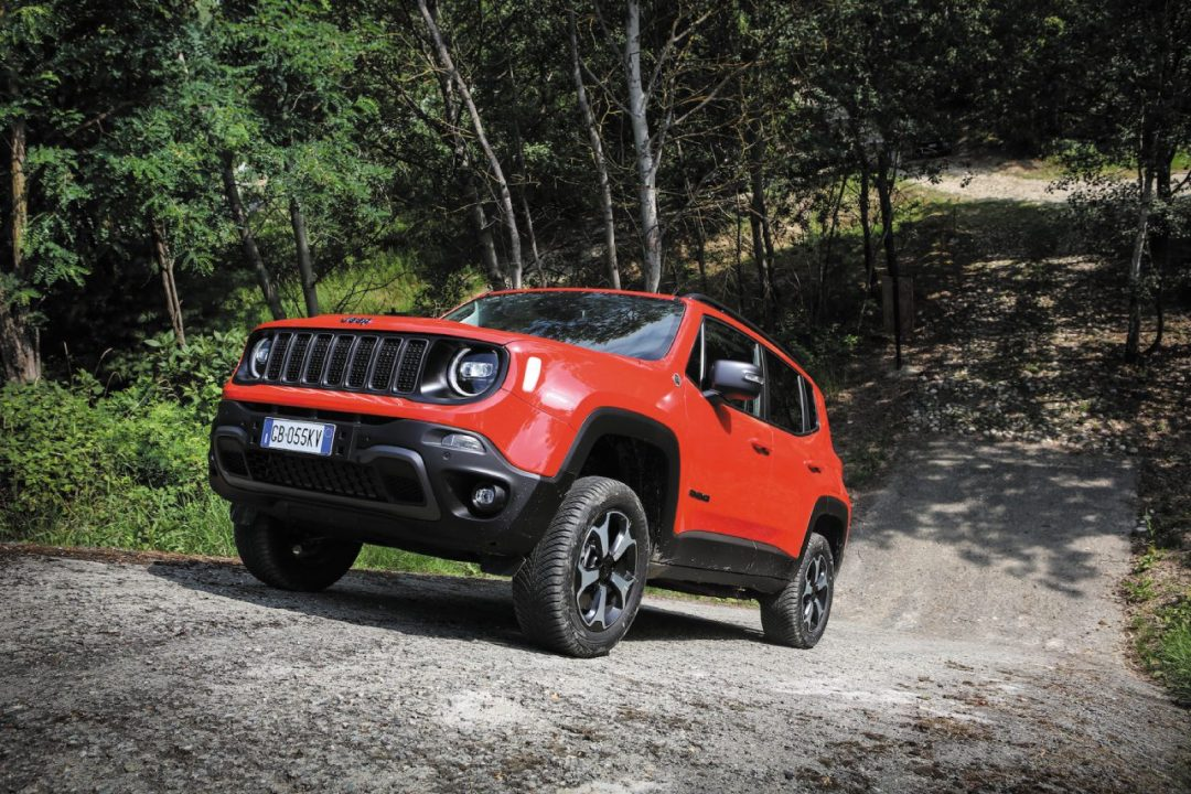 La nuova Jeep Renegade 4xe ibrida