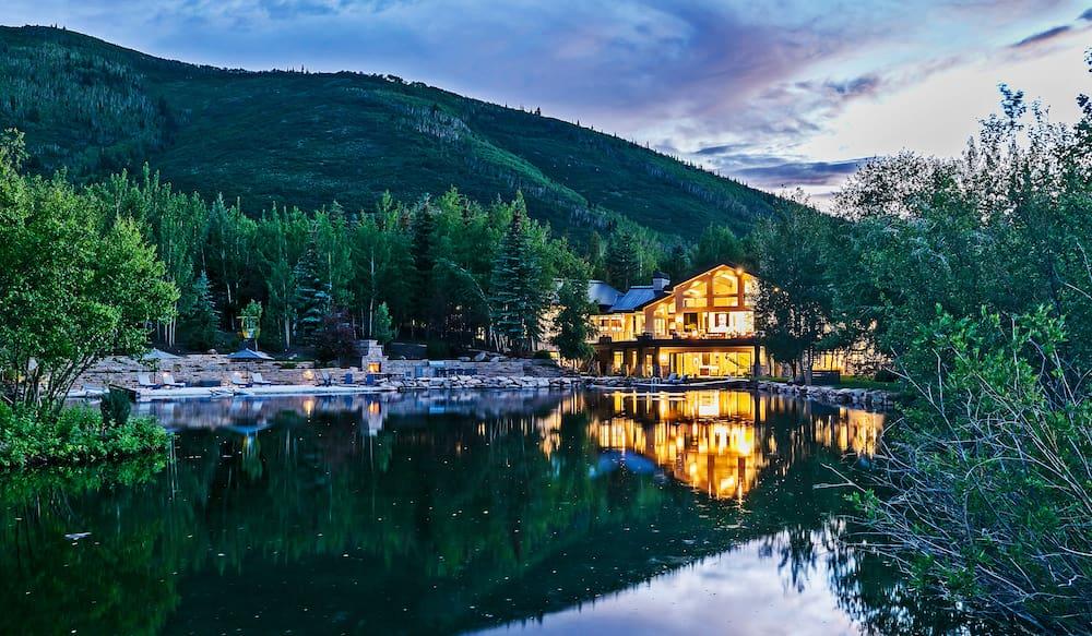 Una villa da sogno sul lago? Ecco le 10 più costose al mondo (due sono in Italia)