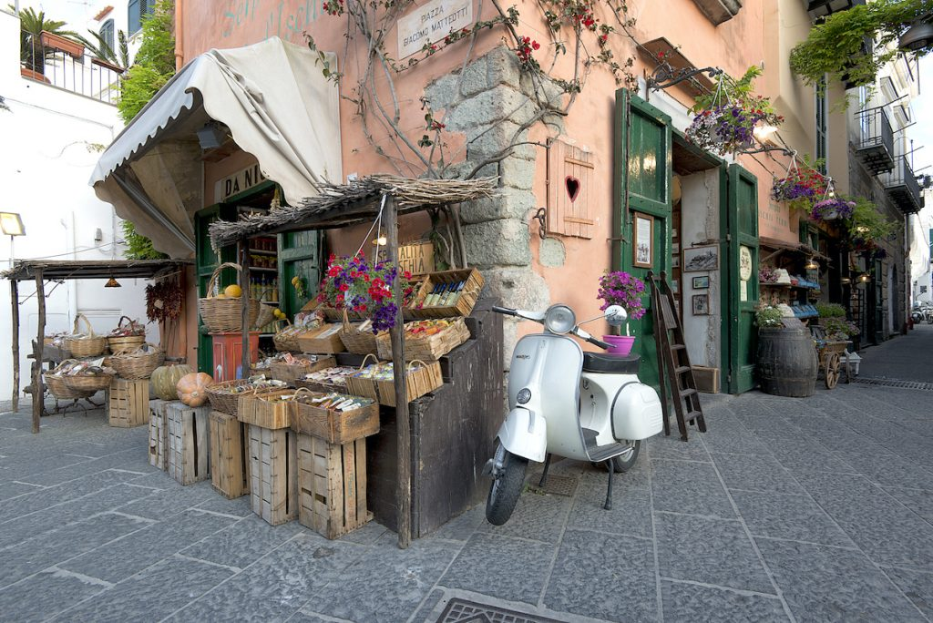 Uno scorcio di Piazza Giacomo Matteotti a Forio d'Ischia