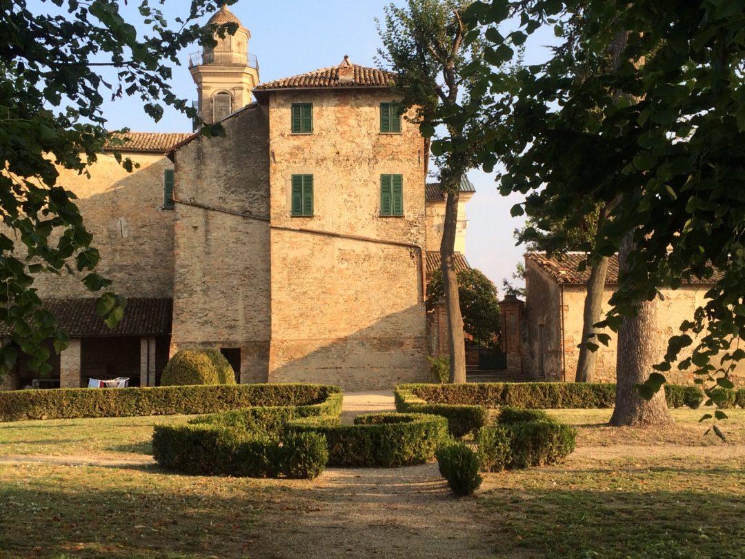 Piemonte: Castello di Calosso (Asti)