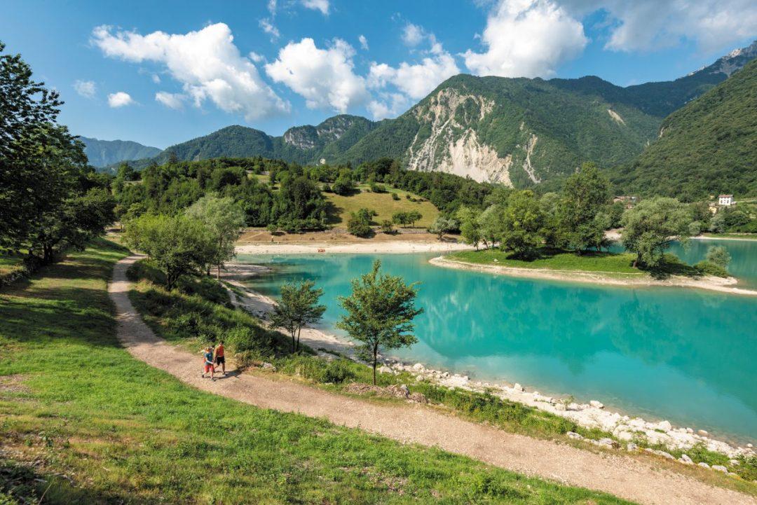 Garda Trentino, regno dello sport: dove fare trekking, bike, arrampicata (e mangiare bene)