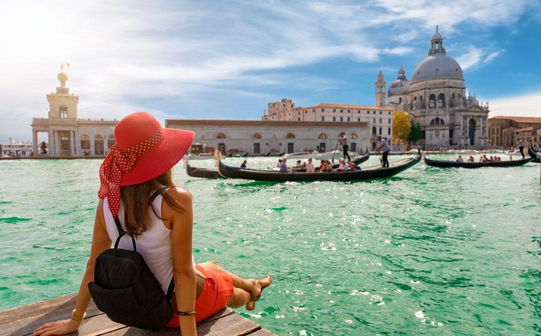 Ancora vacanze in autunno per il 58% degli italiani, anche nelle città d'arte (ph. istock)