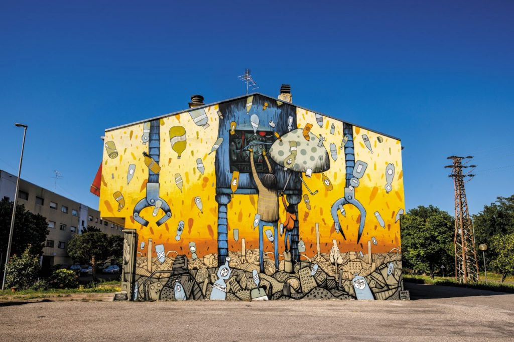 Un'opera di street art nel quartiere Lunetta.