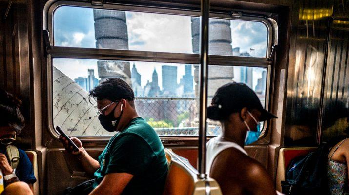 Foto Caffè, jogging, treni, mercatini: la vita quotidiana a New York dopo il lockdown