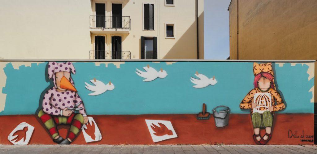 Il murale Dritto al cuore, di Tony Gallo (2017), in via Savonarola.