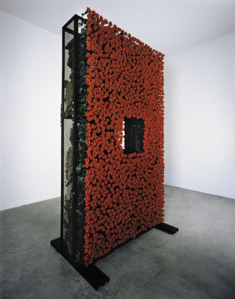 Chen Zhen, Le Produit naturel/Le Produit artificiel, 1991. Courtesy Galleria Continua. A Pirelli HangarBicocca.