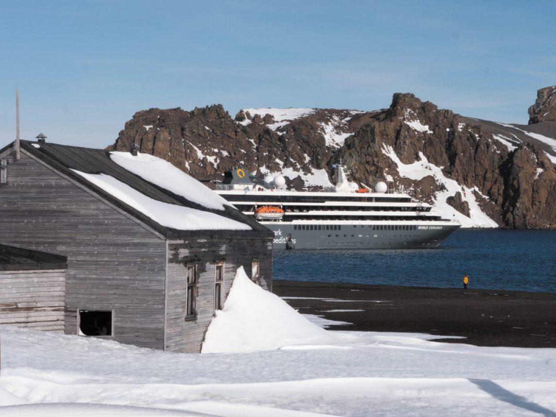 Crociera in Antartide tra i ghiacci del Polo Sud. Sulla nave ecologica, lontano dal Covid