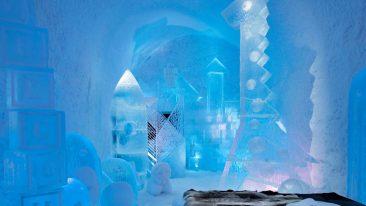 """Suite di lusso e sculture di ghiaccio: ecco lo straordinario """"Icehotel 31"""" di Jukkasjärvi, in Svezia"""