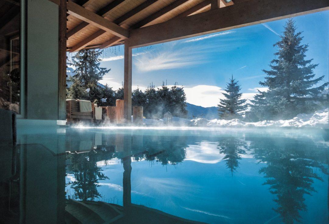 Piscine calde a cielo aperto: le più belle da Bormio al Tirolo. Per un relax totale