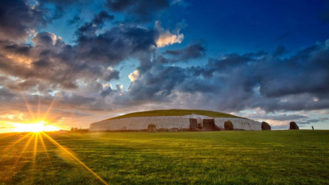 La tomba di Newgrange, Irlanda