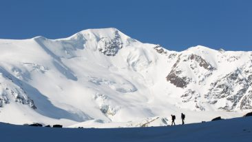 Catasto nazionale dei Ghiacciai alpini Catasto nazionale dei Ghiacciai alpini Catasto nazionale dei Ghiacciai alpini Alpinismo nei pressi del monte San Matteo, nella Valle dei Forni (Valfurva, Lombardia) - ph iStock