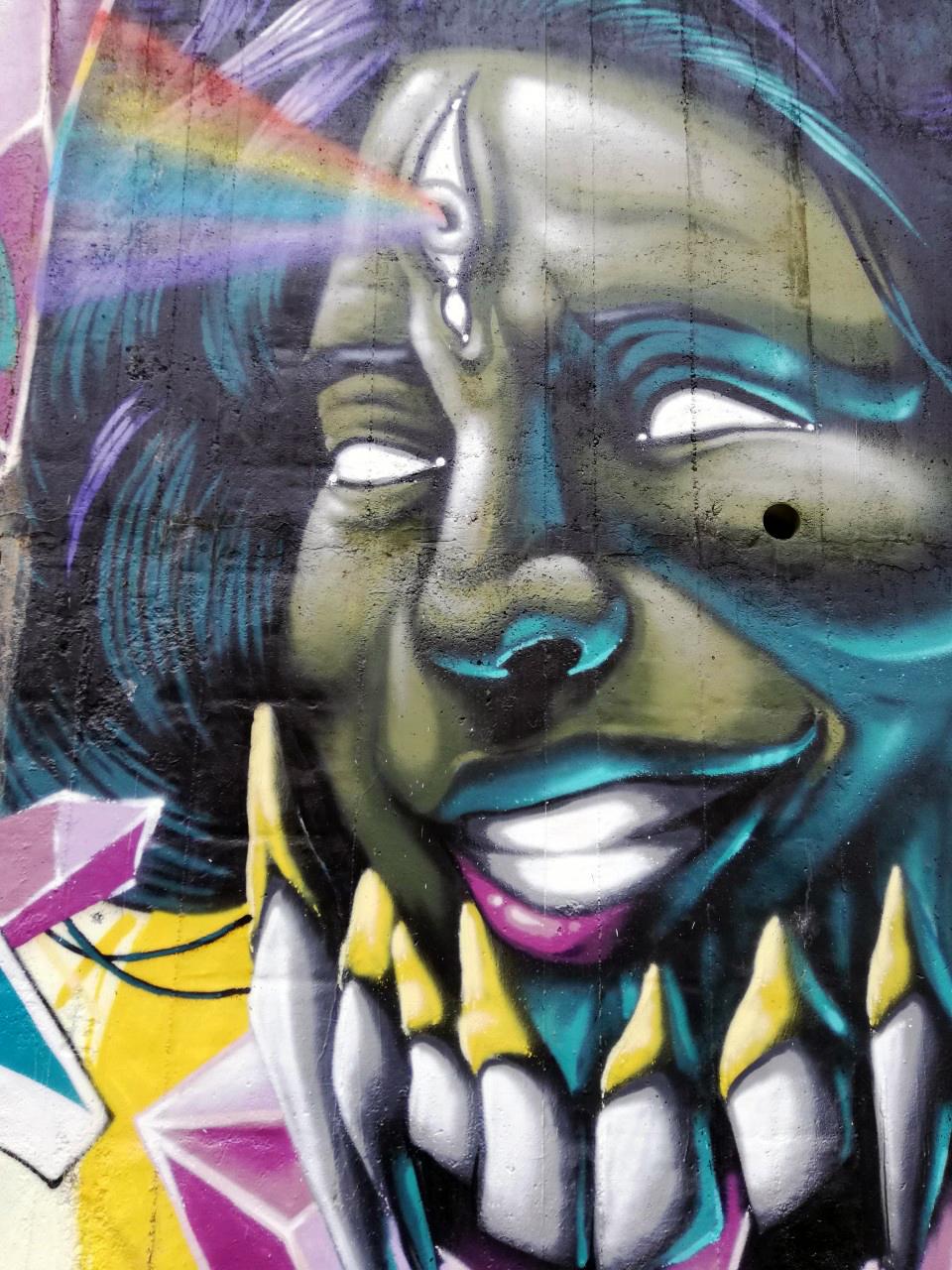 Milano periferia e graffiti - Via Plezzo