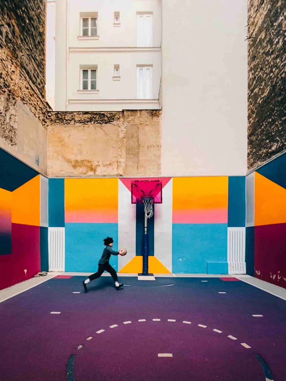 Campo da basket a Pigalle, Parigi - Aggiungere saturazione