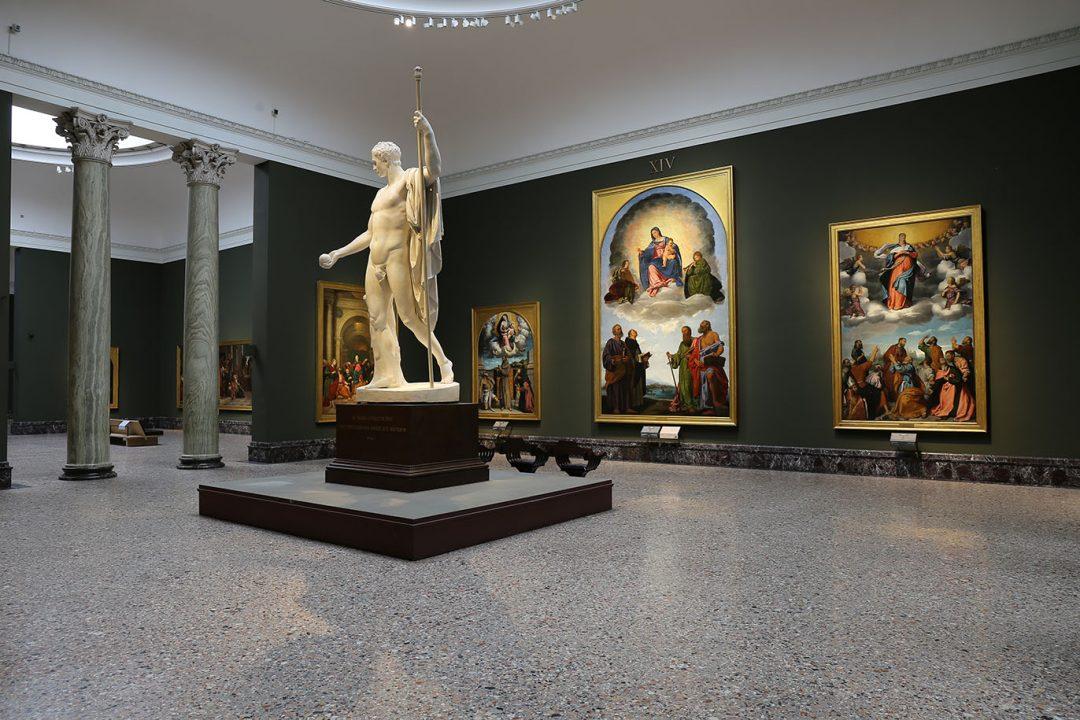 Milano, riapre la Pinacoteca di Brera. Gratis ma con prenotazione: come funziona la visita