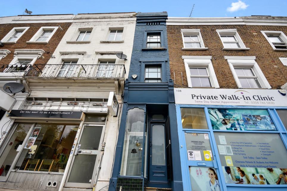 La casa più stretta di Londra è in vendita: 180 centimetri per oltre un milione di euro