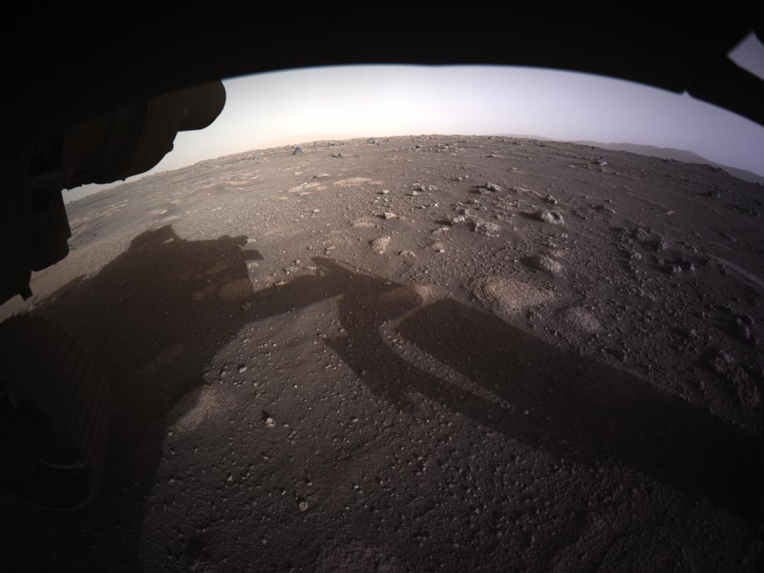 Le prime foto a colori inviate da Perseverance. E cosa farà il rover dopo l'atterraggio su Marte