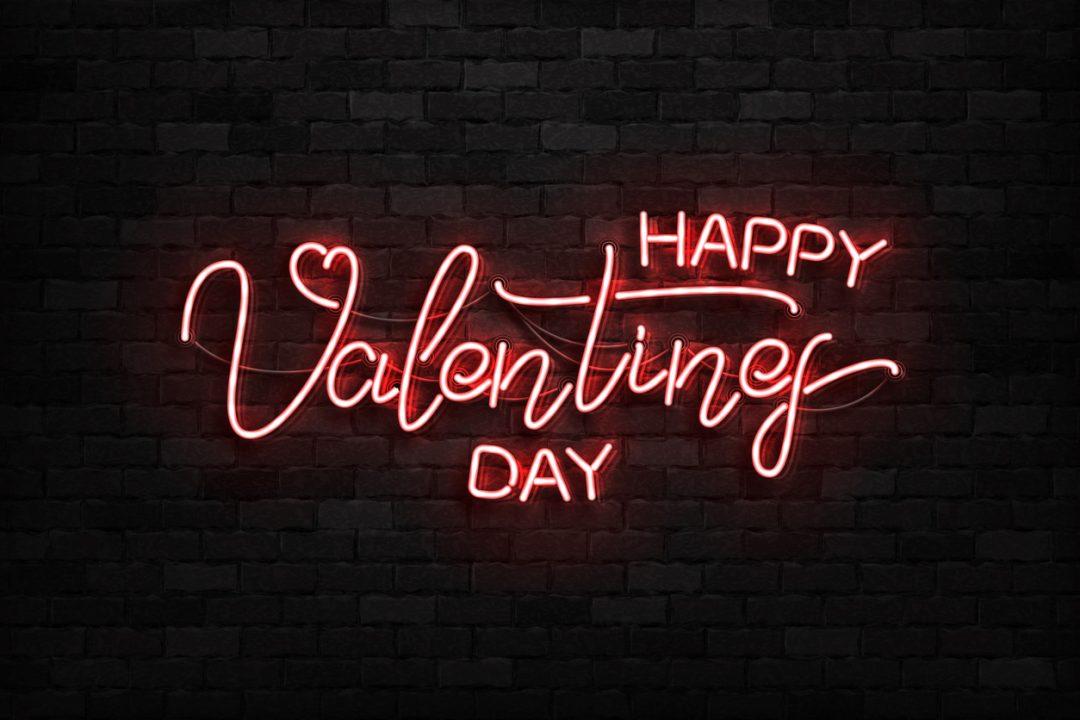 Auguri di San Valentino: le frasi e le canzoni