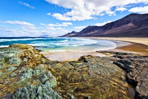 Fuerteventura, smart working vista mare alle Canarie. Si può fare: ecco il racconto dei protagonisti