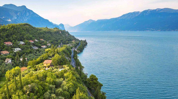 Foto Scoprire l'Italia in auto, moto e camper: i nuovi viaggi on the road su DOVE di aprile, in edicola da venerdì 26 marzo