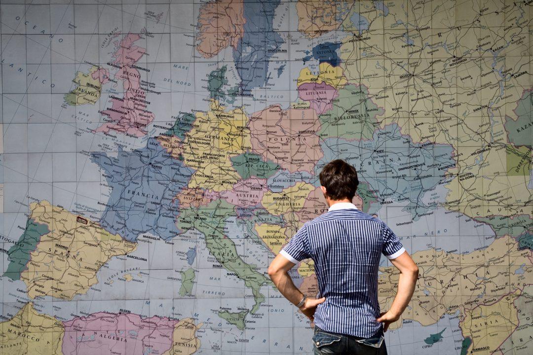 Mappa delle nazioni del mondo senza distorsioni