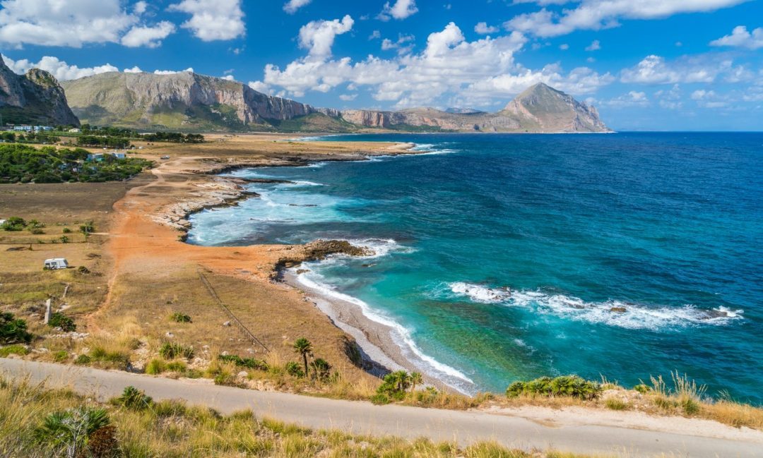Il golfo di Macari, vicino a San Vito Lo Capo, dove si trova il borgo dove è stato girato Makari, lo sceneggiato su rai 1