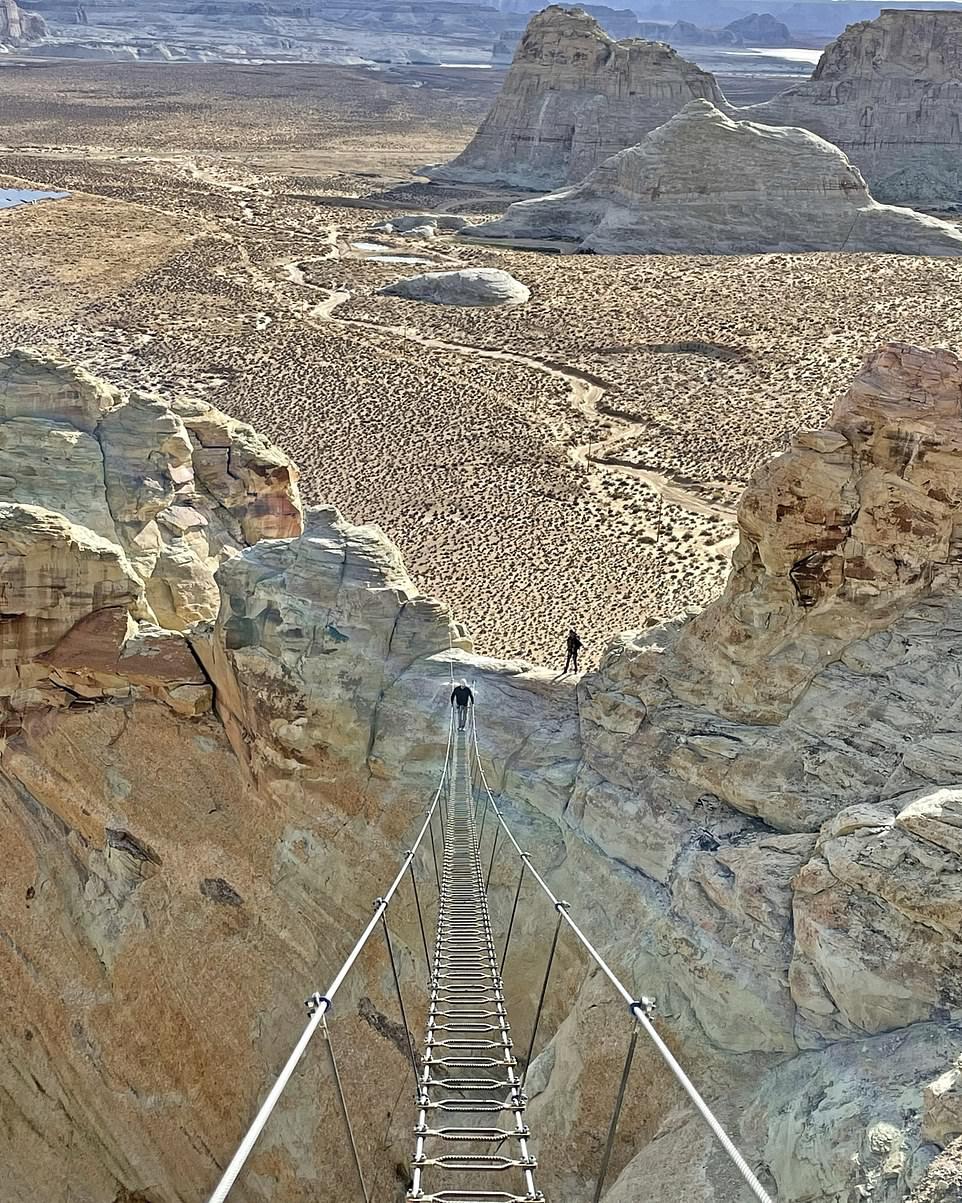 """Avreste il coraggio di salire? La """"scala verso il cielo"""", la nuova attrazione nel deserto dello Utah"""