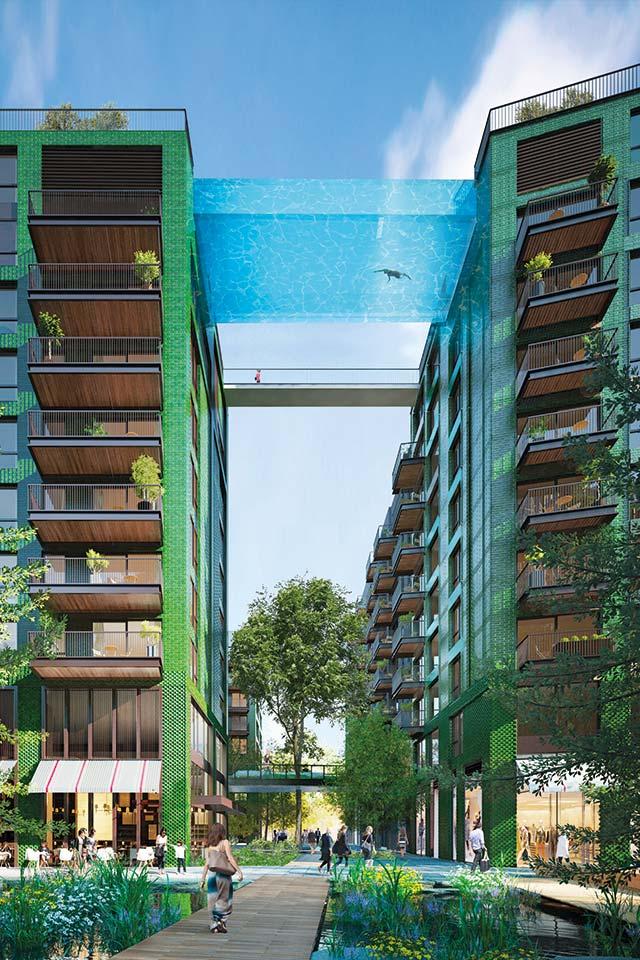 A Londra apre la prima piscina sospesa al mondo: nuotare a 35 metri d'altezza sarà come volare