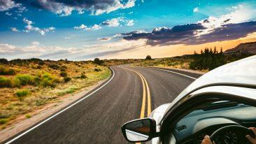 moto e auto elettriche ibride o a emissioni zero per viaggi on the road