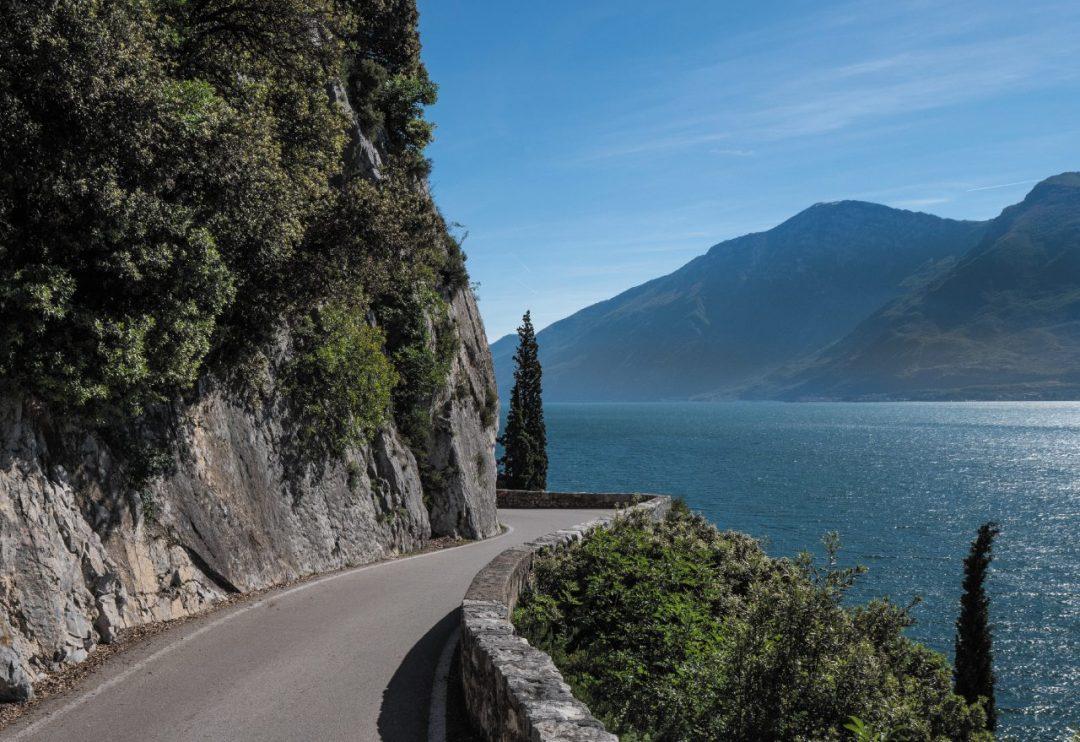strada della Forra sulla riva occidentale del Garda