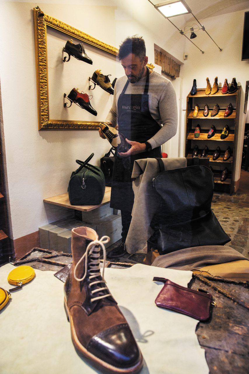 Bologna sotto i portici: a spasso per la città tra botteghe artigiane e indirizzi golosi