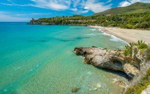 Bandiere Blu 2021: le spiagge che entrano e quelle che escono dalla lista della FEE