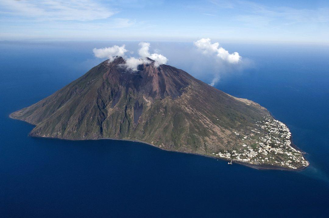 Quali sono i vulcani attivi e quiescenti in Italia?
