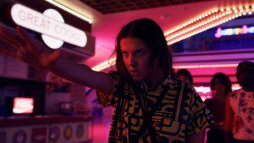 Una scena di Stranger Things 3. Oggi è uscito il teaser di Stranger Things 4 e i fan si chiedono quale sarà la data di uscita