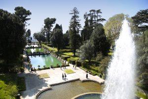 Statue, zampilli e cascate: ecco le fontane più belle d'Italia. Nelle piazze e in parchi storici