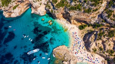 5 vele legambiente e touring club: le spiagge e il mare più pulito d'italia