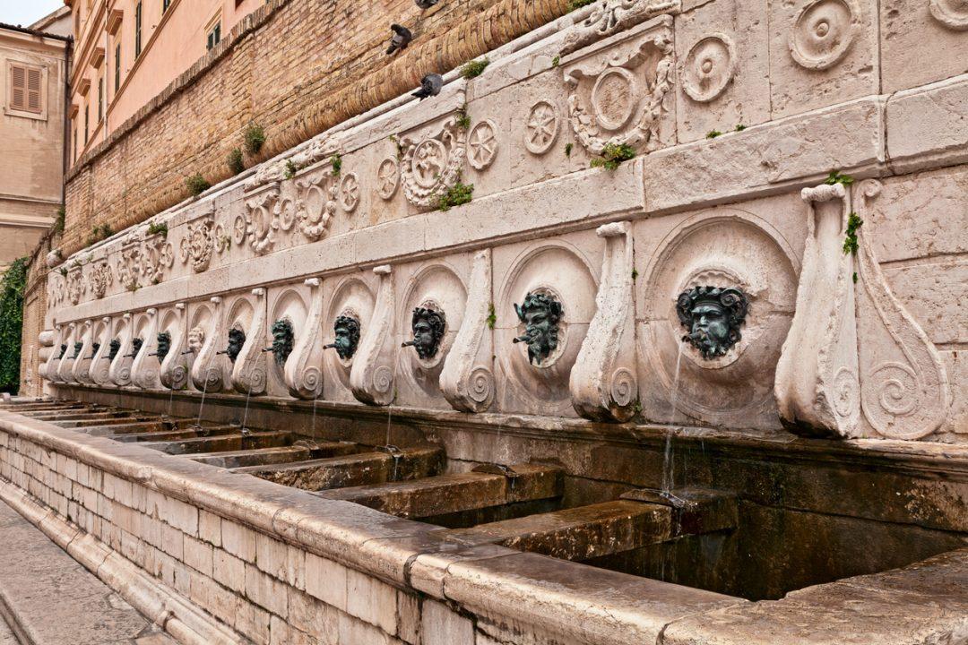 Fontana 13 cannelle Ancona