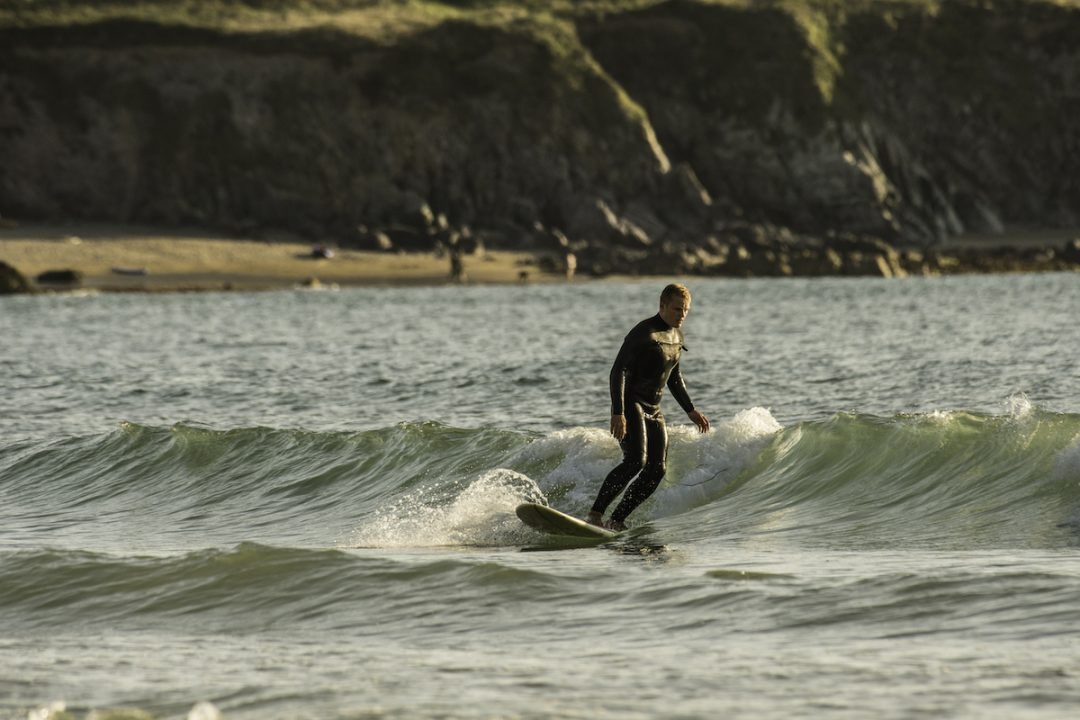 Surf sulle coste selvagge
