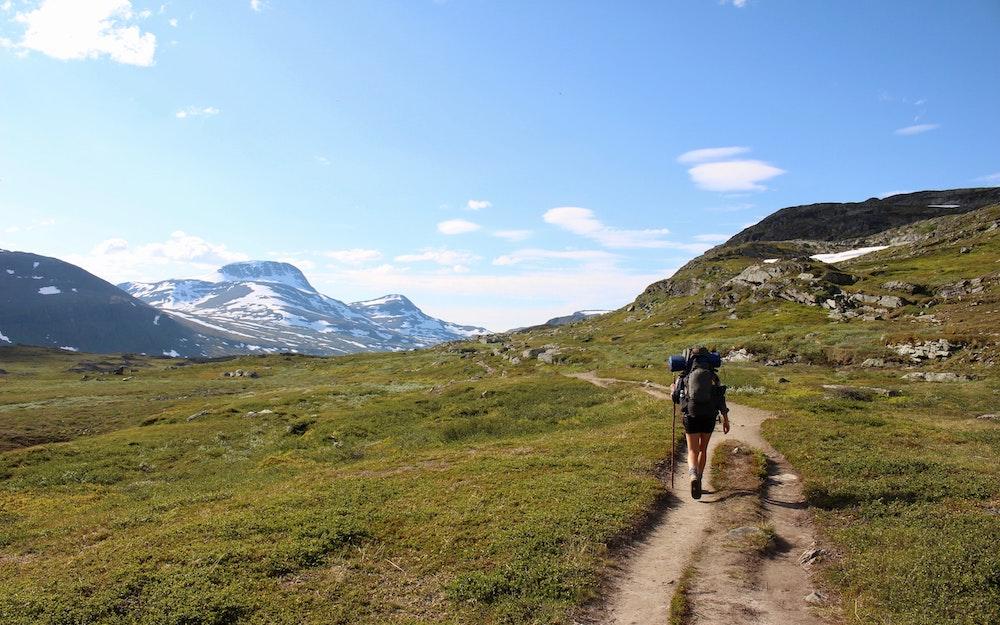 cammino a piedi Italia Cammini credits mats-hagwall-unsplash