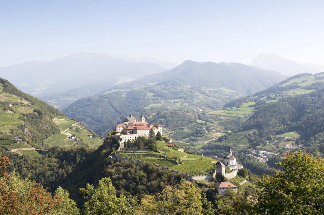 In montagna picnic con gerla (Bressanone, Alto Adige)