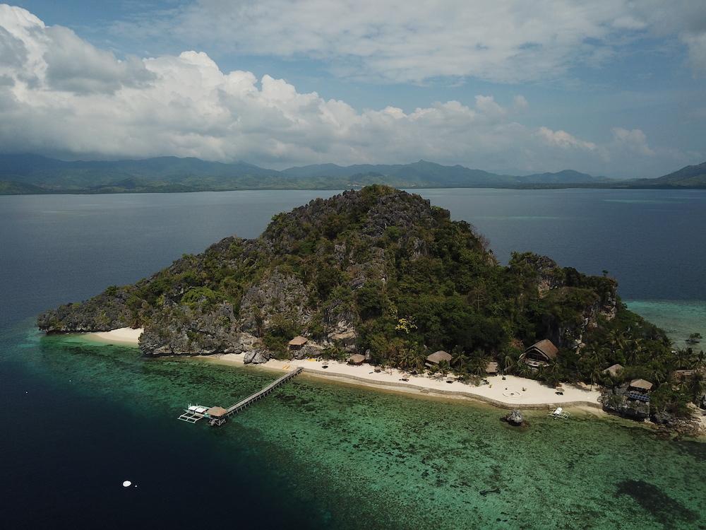 Floral Island, Filippine